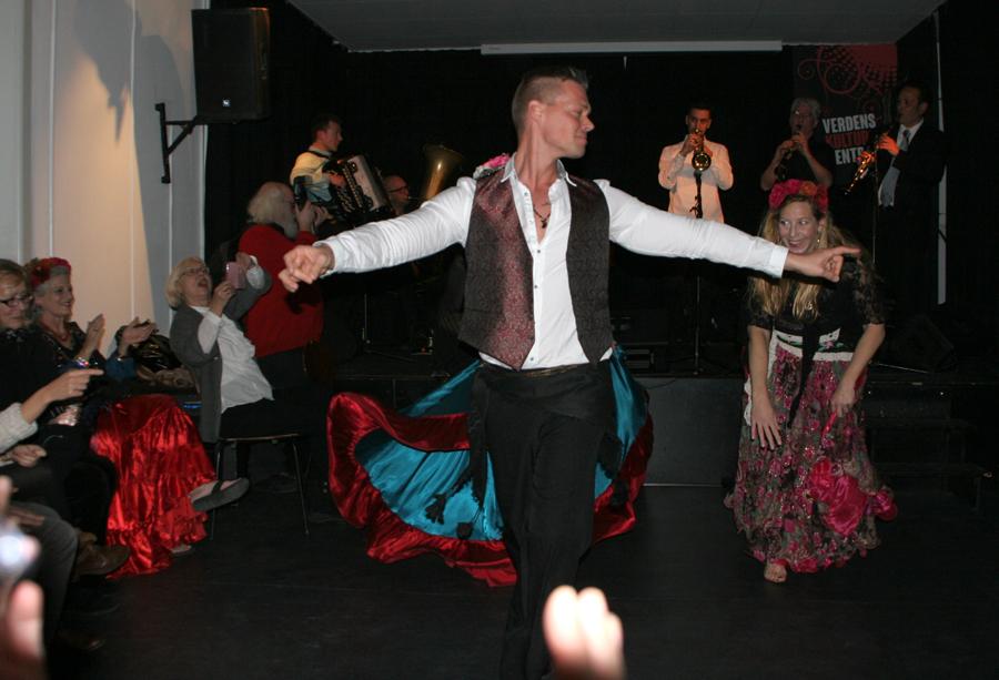 Calibut Band - dansende mand