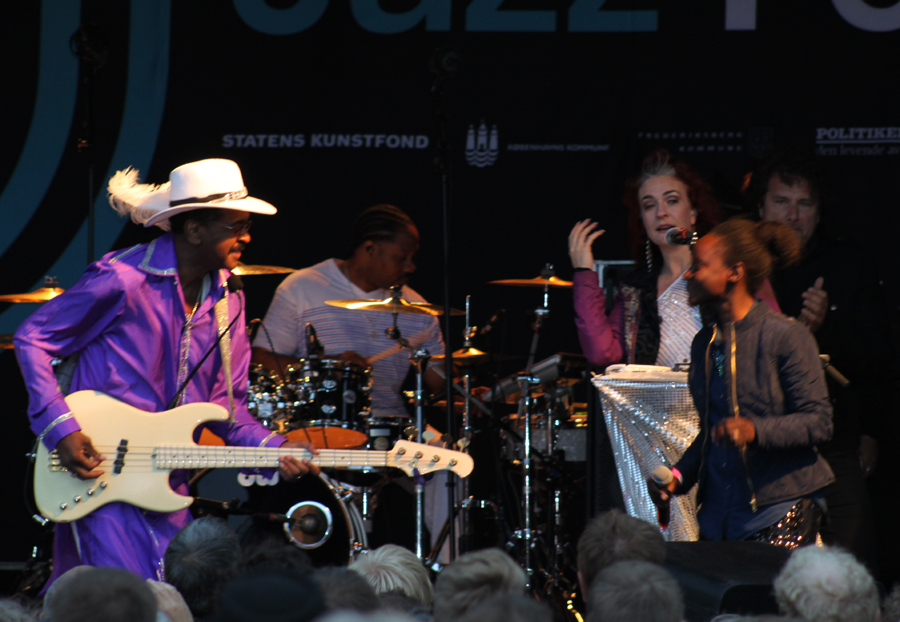 Larry Graham at Bryggen