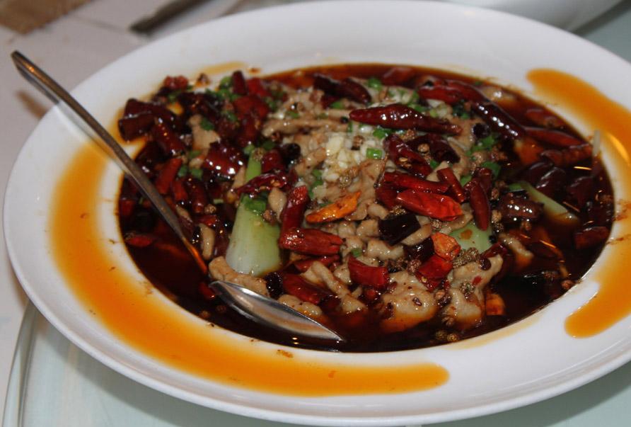 Sichuan-ret med chili og peber