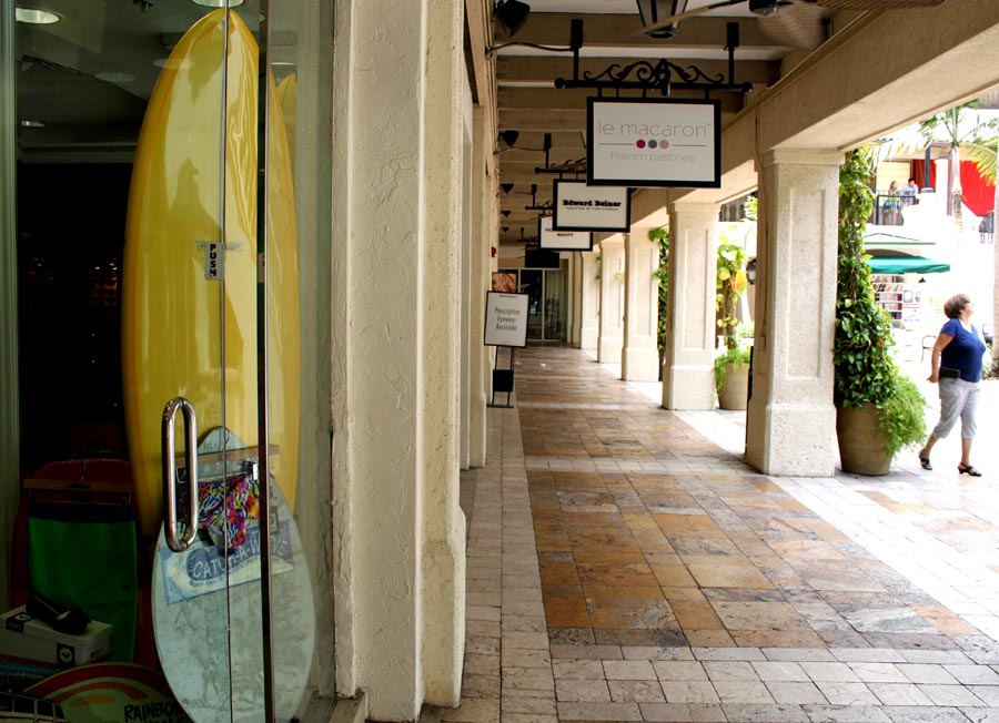 The Grove shopping Coco Walk